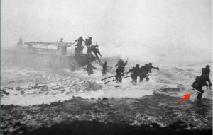 Jack_Churchill_leading_training_charge_with_sword.jpg (1003×643)